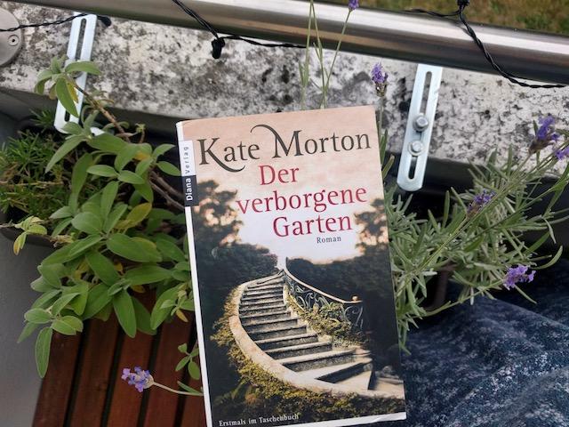https://www.randomhouse.de/Taschenbuch/Der-verborgene-Garten/Kate-Morton/Diana/e333374.rhd