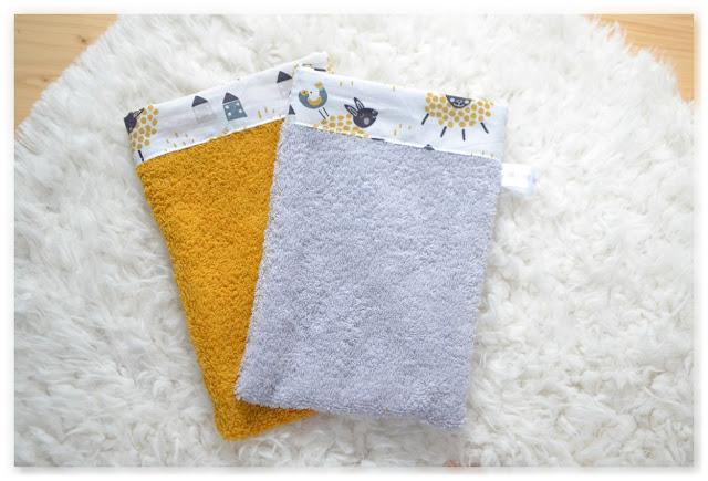 gants de toilette gris et jaune