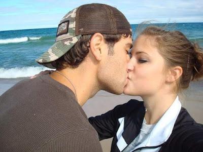 lip kiss image