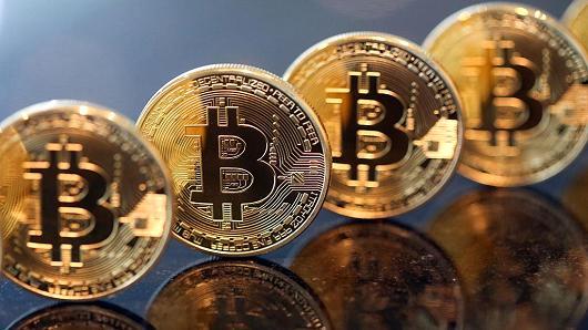 Bitcoin phá vỡ mức $ 1000, mức cao nhất trong hơn 3 năm