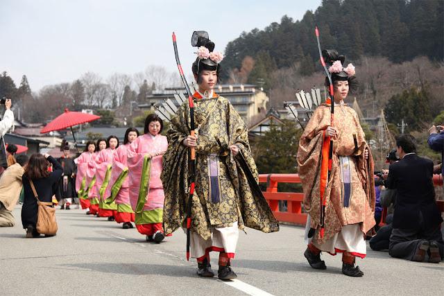 Hida Ikibina Matsuri (Live Hina-Doll Festival), Takayama City, Gifu