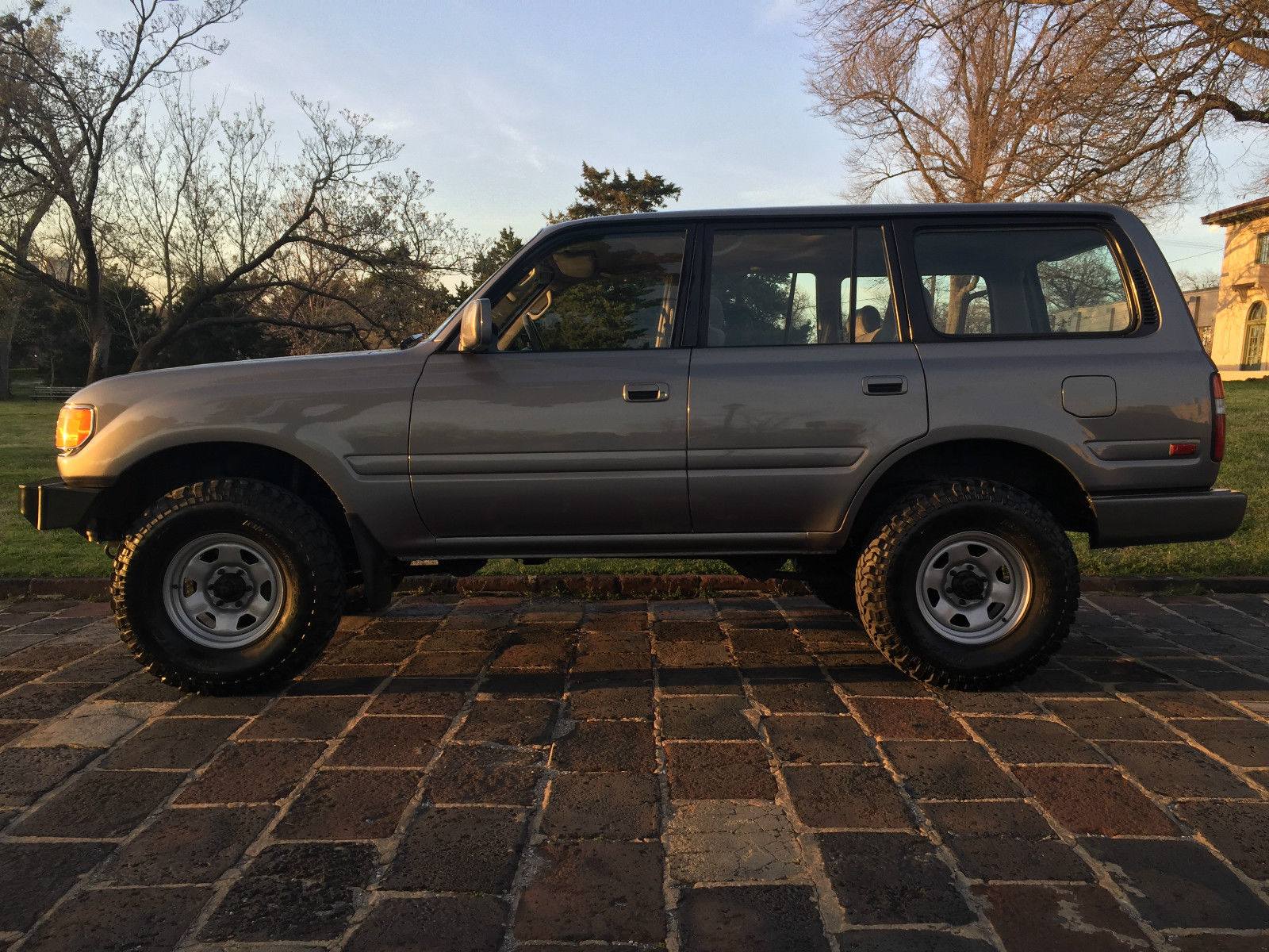 Toyota Land Cruiser Rare Poverty Pack in addition Product product id 267 besides Mopar Dodge Charger Sema 2012 further Golf together with Fiat 500 Beach Cruiser. on fiat 500 fender flares