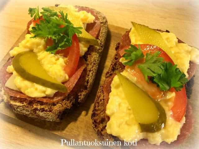 #munakokkeli #aamiainen #aamiasleivät #jälkiuunileivät #breakfastideas #breakfast