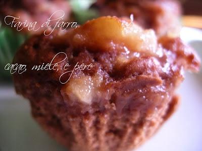 ricetta Muffin con farina di farro cacao miele e crema di pere