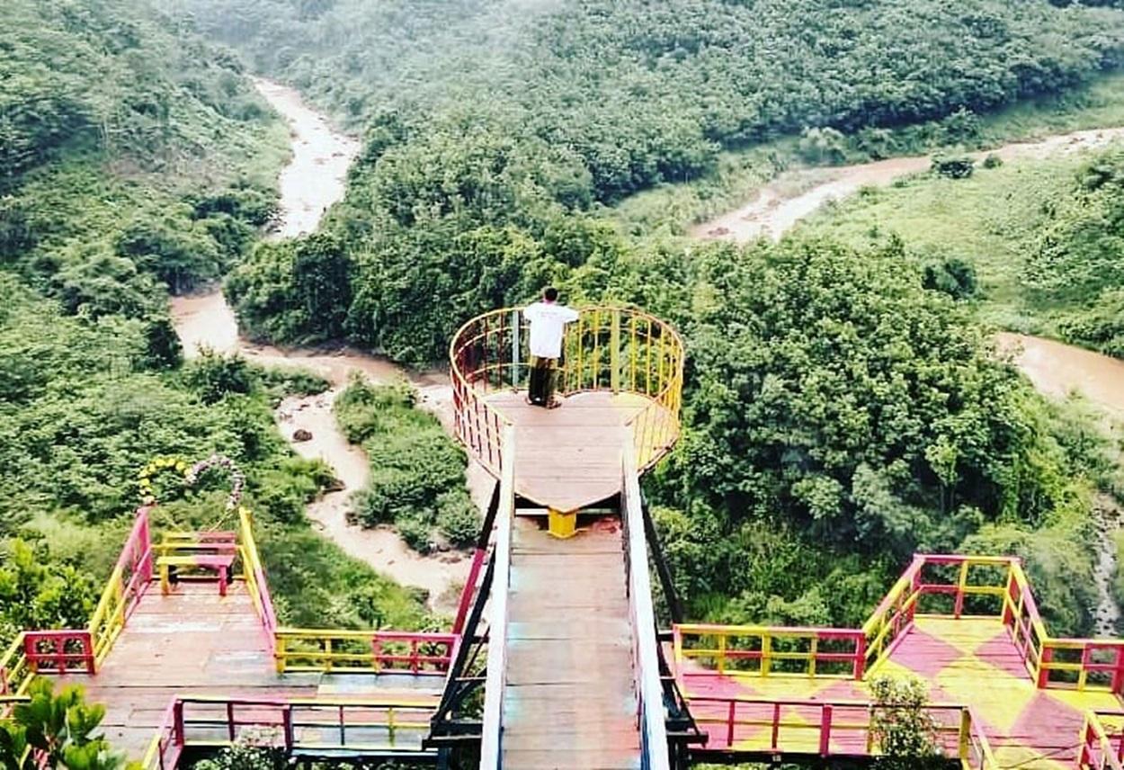 Wisata Jembatan Buntu Sengon Subah Batang