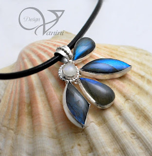 https://www.etsy.com/ca/listing/509970320/labradorite-flower-pendant-necklace?ref=shop_home_active_1