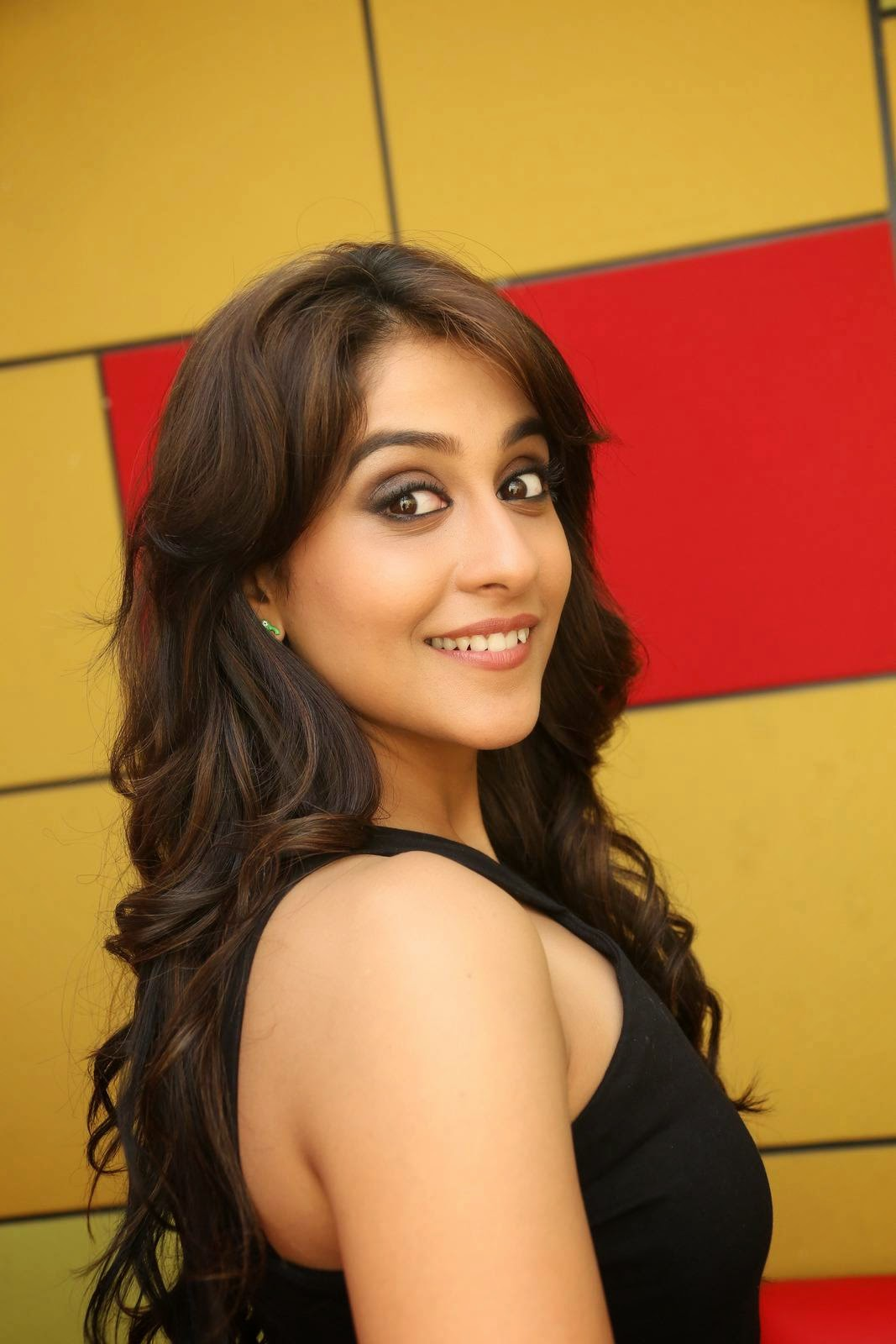 Regina Cassandra Latest Hot Photos In Black Dress