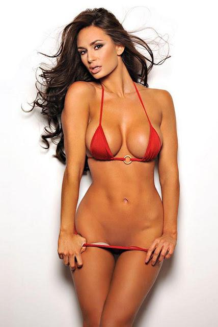 Hot girls Rosie Roff sexy body at Gym
