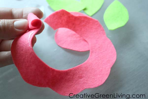 How to make felt flowers for a unicorn flower crown