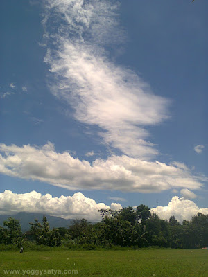 Awan berbentuk sayap