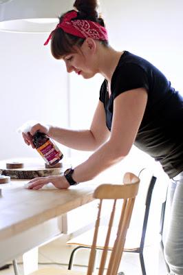 Dlaczego ulegamy manii sprzątania, czy istnieją idealne domy i idealne gospodynie? Jakie wybrać kosmetyki do wnętrz