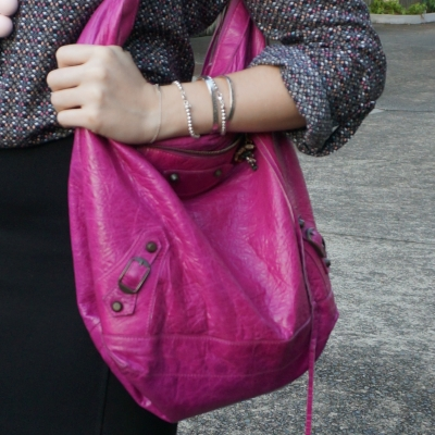 classic RH Balenciaga Day bag in 2005 magenta worn on shoulder | away from the blue