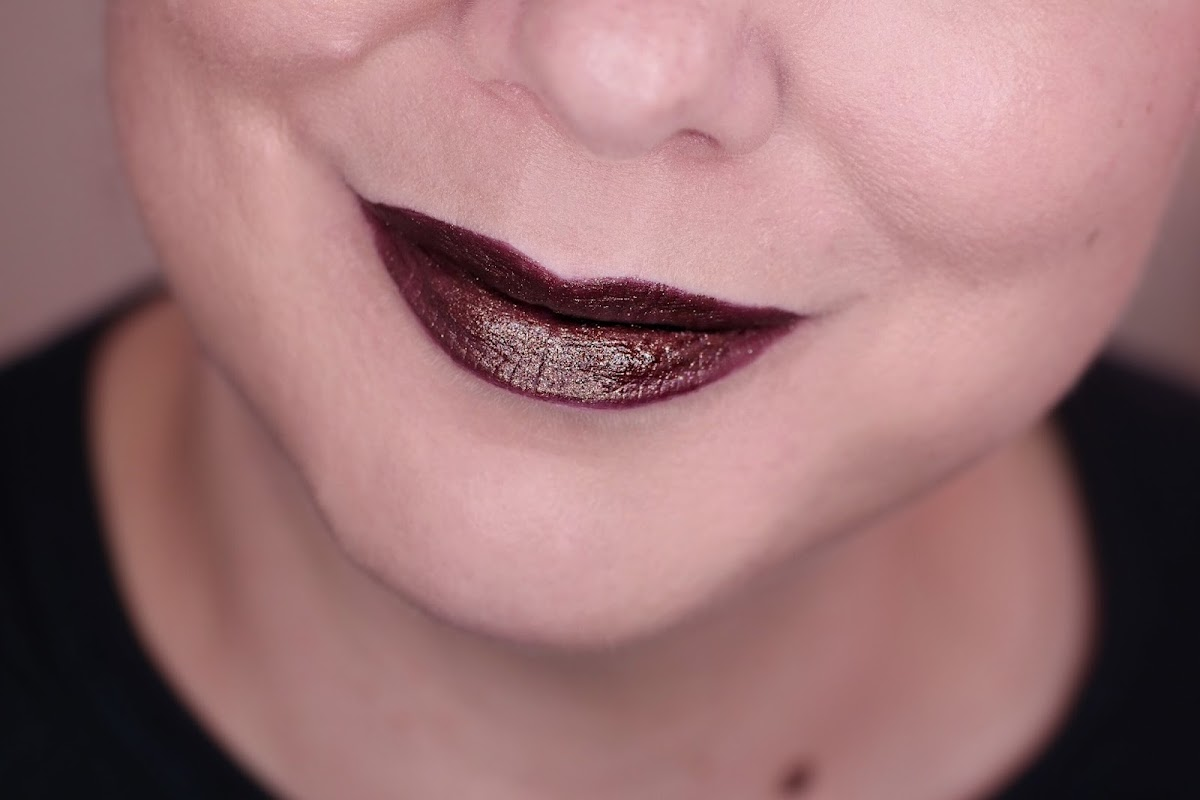 Conspiracy Lippenstift in Pflaume