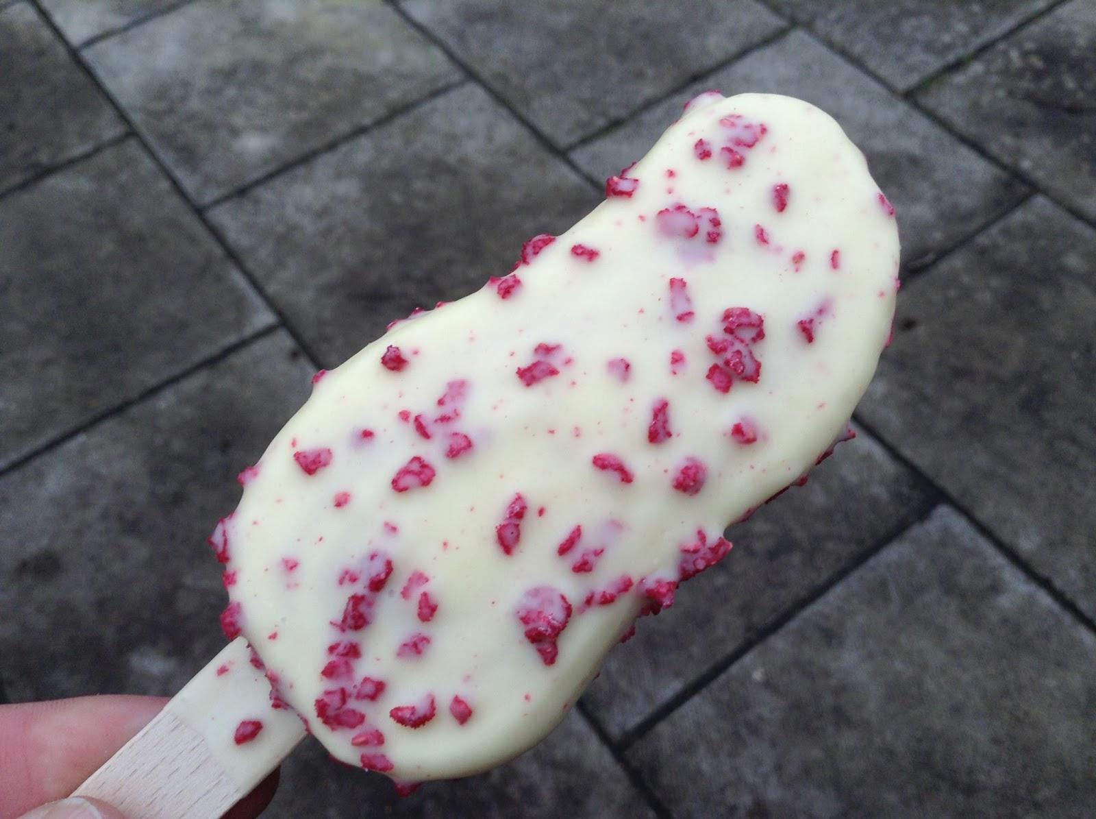 Haagen Dazs White Chocolate Raspberry Bar