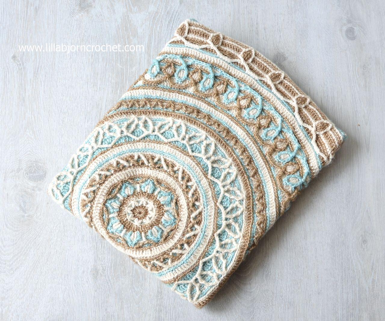 Crochet New Design : ... Border - New Design in Overlay Crochet LillaBj?rns Crochet World