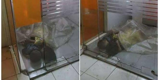 Sedih, Dua Bocah Ini Tidur Berpelukan di Dalam Gerai ATM Jakarta Pusat