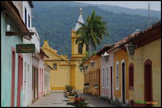 http://www.radios.com.br/aovivo/Radio-Femacle/39575
