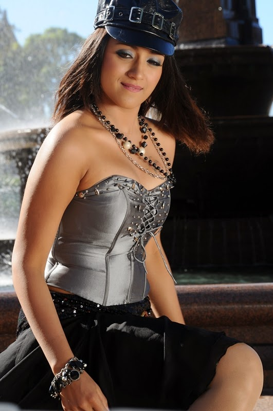 Trisha Krishnan Hot Full Photo Gallery  Trisha Hd -9098