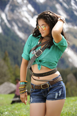tapsee-navel-show-shorts
