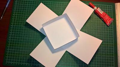 Szablon exploding box - sklejamy