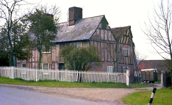 Photograph of Lower Farm, Bell Bar, formerly The Swan April 1979 Image from Ron Kingdon
