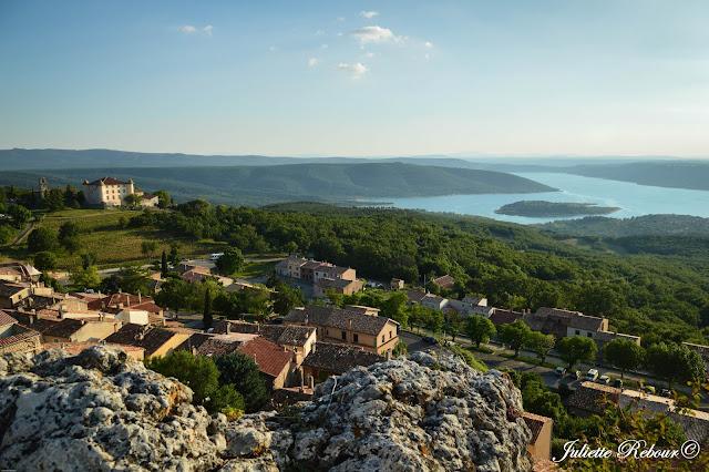 Village d'Aiguines et le Lac Sainte-Croix