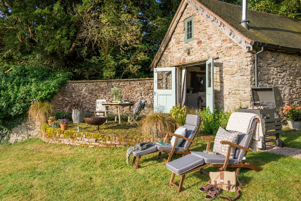 A Joyful Cottage Living Large In Small Spaces Wishbone