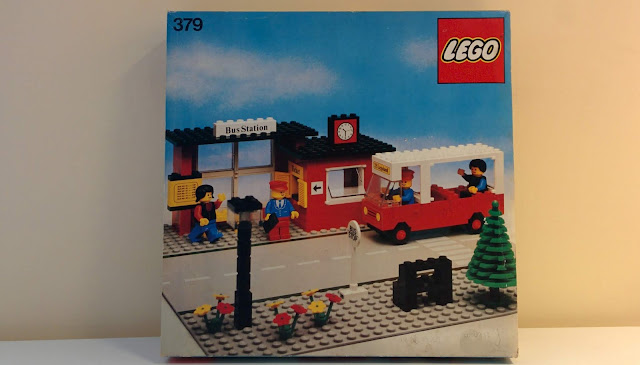 LEGO set 379 - stazione dei bus - bus station