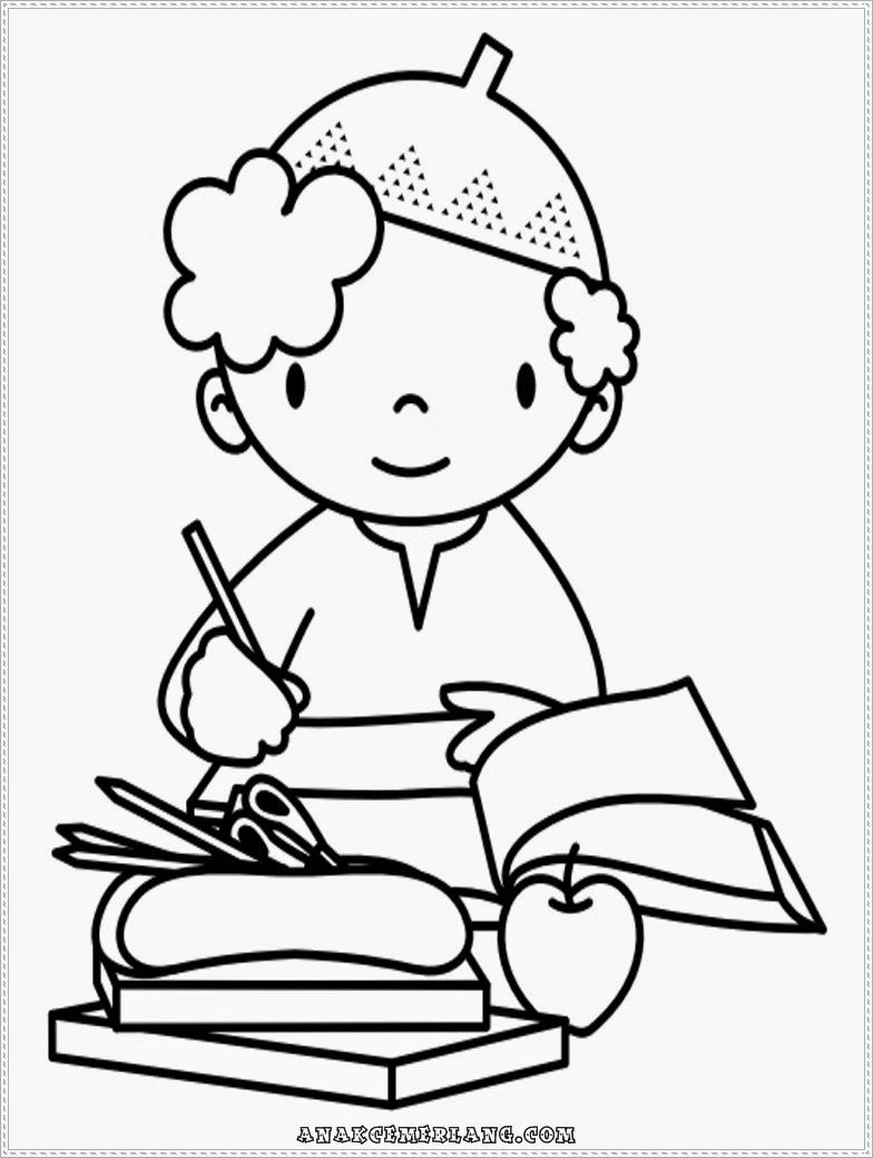 mewarnai gambar anak cemerlang sedang mengerjakan pr