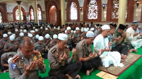 Jelang Aksi Damai 4 November, Ustadz Arifin Ilham Pimpin Doa Polda Metro, Begini Doanya