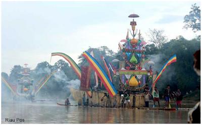 Festival Perahu Baganduang Kuantan Sengingi Riau