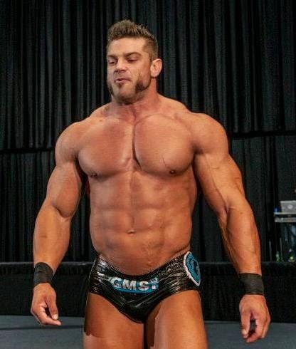 Sexy Bodybuilder Wrestler 10