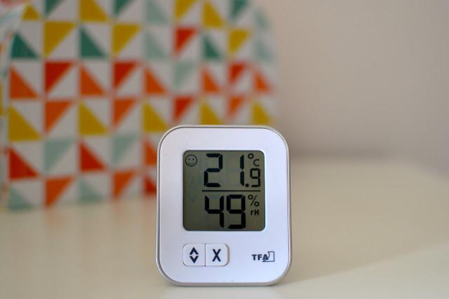 termometro habitación bebe a golpe de objetivo