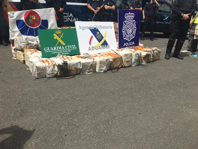 Custodian hasta Gran Canaria un barco que llevaba 2.500 kilos de cocaína desde Venezuela