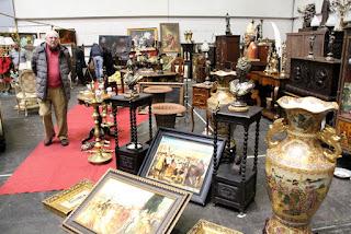 Salón de antigüedades Desembalaje