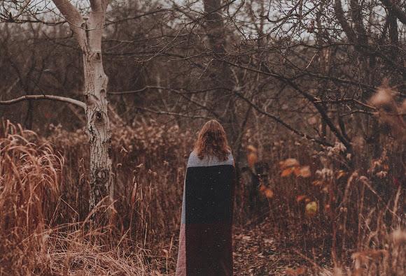 Zimna postać jesieni | Sesja fotograficzna z Anią