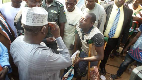 Photos: Nassarawa state governor offers to pay medical bills of police officer shot by gunmen in the state