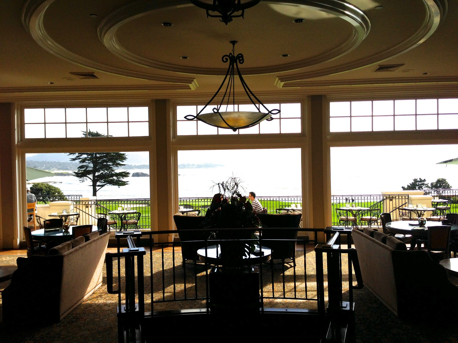 ENTER THE LODGE AND YOU ARE IN BEAUTIFUL LOBBY OVER LOOKING THE 18TH HOLE