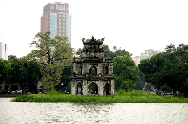 10 things definitely have to do when visiting the capital Hanoi 4