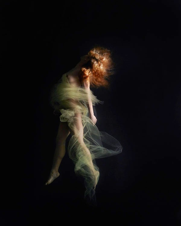 Beautiful photos of nude dancers and models submerged underwater by  photographer Steve Richard. The images have a painterly feel to them using  strong ...