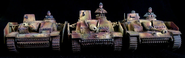 Warlord games JTFM Rubicon 1/56 Stug comparison
