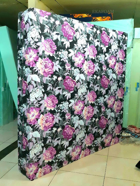 Kasur inoac motif bunga mawar bodas