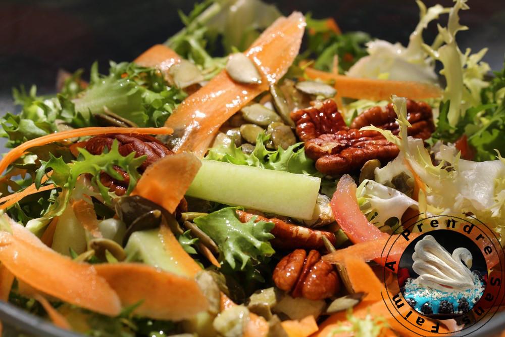 Salade aux graines de courges et noix de pécan
