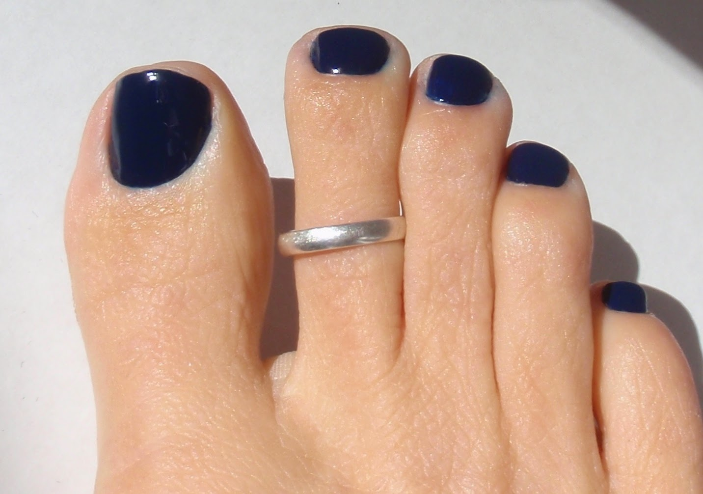 zoya ryan on toe nails