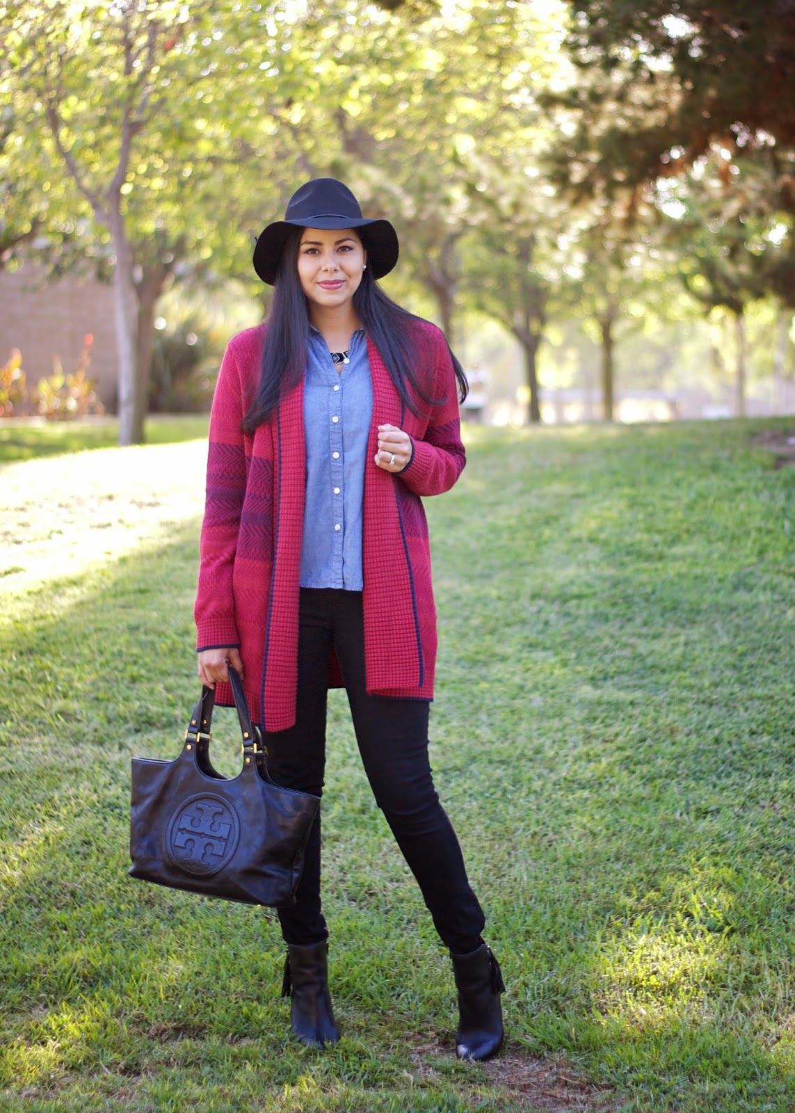 cozy knit, how to wear a chambray, chambray under sweater, how to layer a chambray, how to layer in fall 2014, black and wine outfit, oxblood sweater, maroon sweater, how to wear fall colors 2014