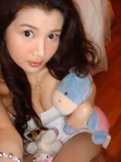 gwendolyn wan sexy selfie pics 03