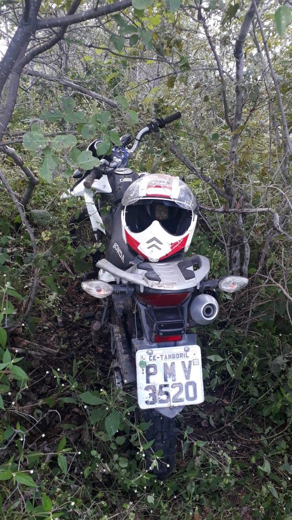 POLÍCIA MILITAR DE TAMBORIL RECUPEROU MOTOCICLETA QUE HAVIA SIDO ROUBADA NO DIA DO ASSALTO EM AGÊNCIA BANCÁRIA