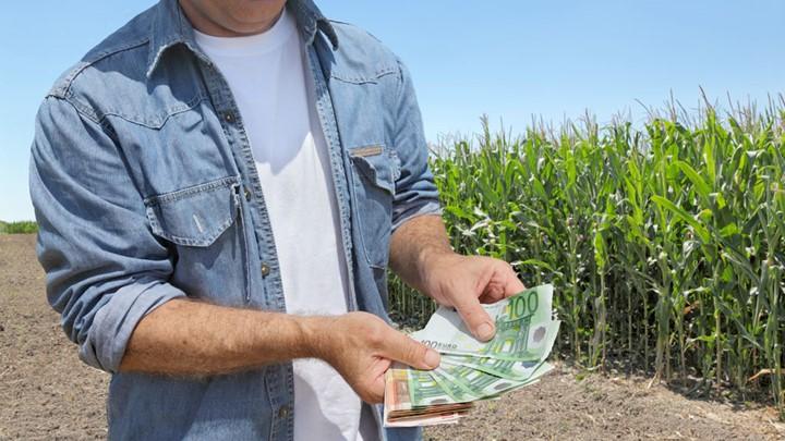 Πικρές οι ασφαλιστικές εισφορές των αγροτών για το 2018