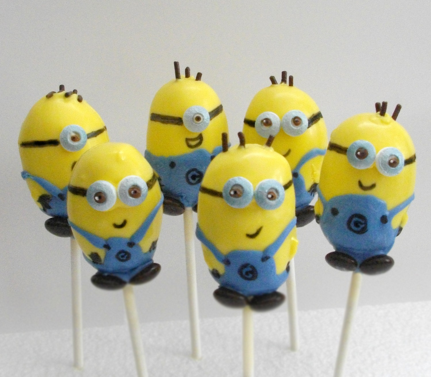 Cake Pop World Despicable Me Minions
