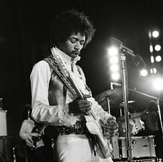 Biography of Jimi Hendrix - The Guitar Gods World